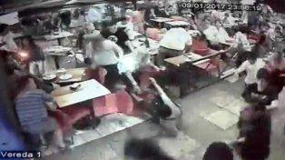 Caos y pánico en pleno centro de Carlos Paz por una supuesta pelea entre bandas