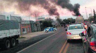 protesta. Los vecinos de Chabás cortaron la ruta 33 para reclamar.