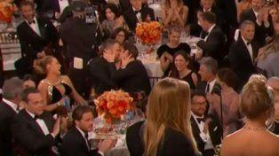 El beso entre Ryan Reynolds y Andrew Garfield, el momento más comentado de la gala de los Golden Globe