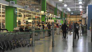 Los empleados de comercio le agradecieron a los vecinos de la ciudad por no ir a comprar a los súper que abrieron el domingo.