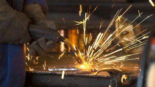 Metalúrgicos acordaron el pago de un bono de dos mil pesos en enero y marzo.