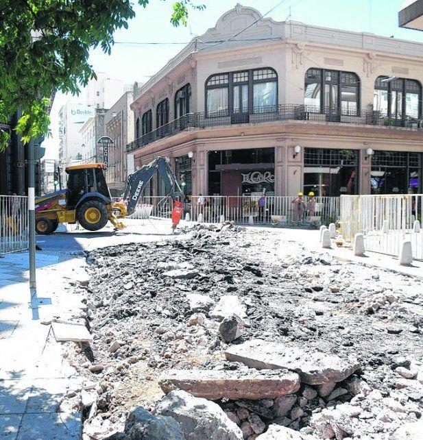 puesta en valor. Ayer arrancaron las obras en Sarmiento y Santa Fe.