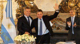 El presidente Macri bromeó sobre la seriedad del flamante ministro de Economía.