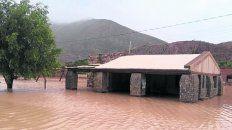El alud de barro y agua castigó Volcán, Tumbaya y Bárcena.