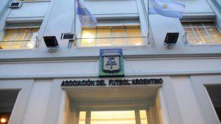 ¿Y ahora? La sede de calle Viamonte de una AFA en crisis total.