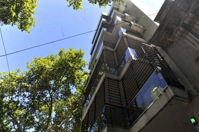 Los ladrones asaltaron una departamento ubicado en un quinto piso de Rodríguez al 1400.