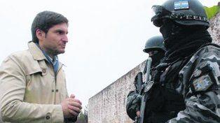 autoridad. El ministro Pullaro lleva adelante un severo control de la fuerza.