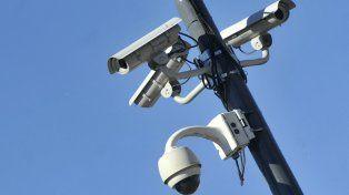 Instalan cámaras de  seguridad en barrio Parque votadas en el Presupuesto Participativo