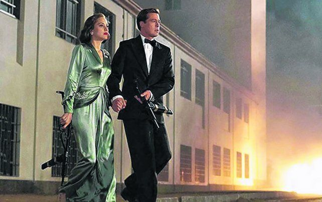 Pareja explosiva. Vatan (Brad Pitt) y Marianne (Marion Cotillard) se enamoran en una misión suicida.