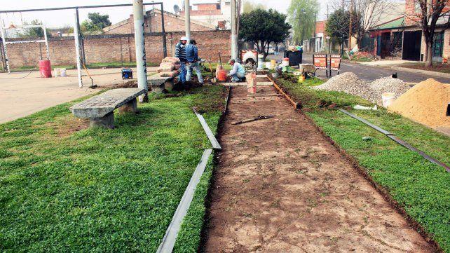 Ejecución de senderos en barrio La Granada (Distrito Sudoeste)