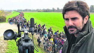 éxodo. Zin filmó la dramática huida de las familias hacia Europa Occidental.