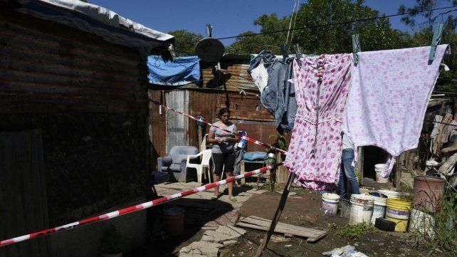 La casa donde vivía la nena de dos años que murió tras recibir un disparo.