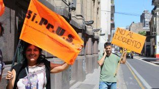 La medida de protesta se cumplió en Rioja y Laprida