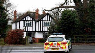 Oculto. La policía británica custodia la vivienda del ex agente secreto en Surrey