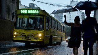 Se renovó el alerta meteorológico, acompañado de una intensa lluvia en la ciudad