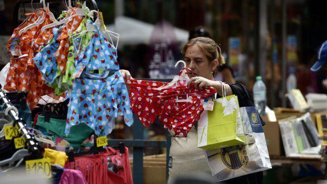 La Asociación Casco Histórico cuestiona la proliferación de vendedores ambulantes.
