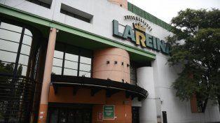 En San Martín y Saavedra. Una de las dos sucursales del supermercado establecido en el distrito sur de Rosario.