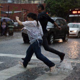 sabado con lluvias y alerta vigente por tormentas fuertes para el sur provincial