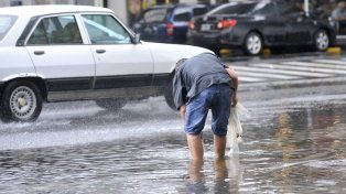 Anegamientos en Avellaneda y Córdoba por la intensa lluvia de ayer.