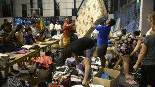 El centro de evacuados de Arroyo Seco, en plena tarea.