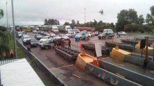 El peaje de General Lagos a las 9:30 de la mañana permanecía atestado de vehículos. (Foto Twitter@jesy_piero)