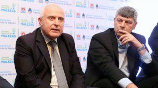 Lifschitz junto al ministro Ricardo Buryaile.