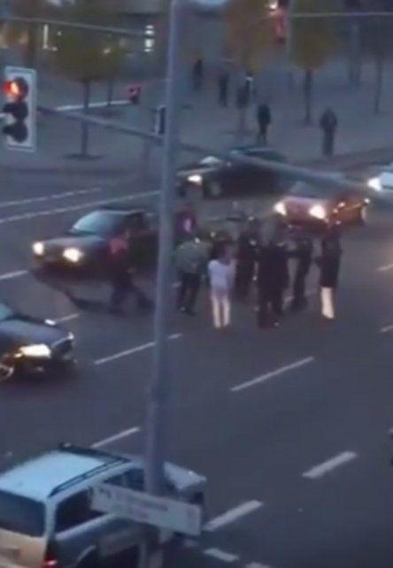 Una boda turco terminó a los tiros en plena calle en Alemania.
