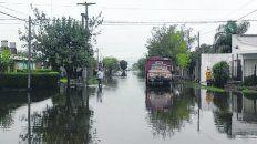 gradual. El agua escurría pero ayer aún había sectores anegados.