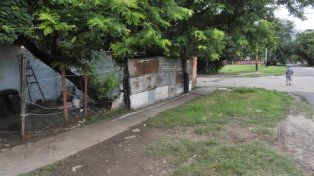 esmeralda al 1900. Lucero fue hallado asesinado en una humilde casa.