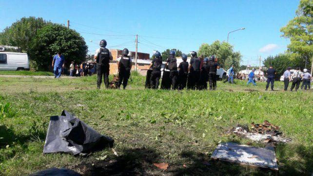 Vecinos denuncian violento desalojo de un terreno ocupado en Avellaneda y Lamadrid