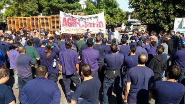 Se mantiene el conflicto por los 300 despidos en la planta impresora del grupo Clarín