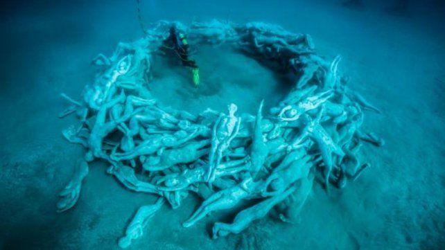 A 14 metros de profundidad, inauguraron el primer museo submarino de Europa