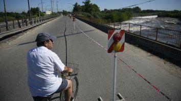 La circulación por el puente Ayacucho quedó restringida esa mañana.