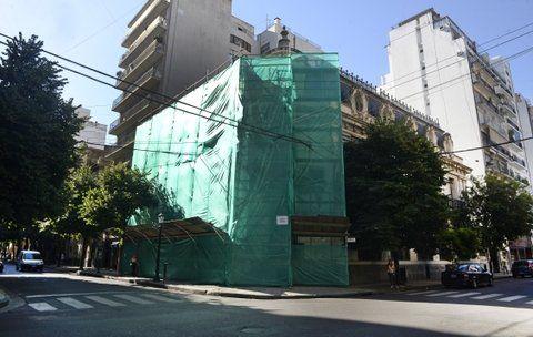 renovación. La obra arrancó con el arreglo de la fachada.