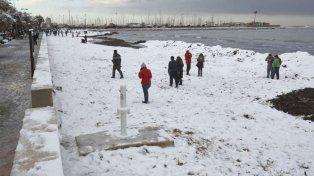 El frío extremo paraliza a diversas regiones de España