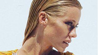 Nicole Neumann insaciable y en remera mojada para calentar más el verano