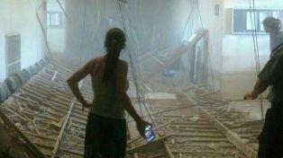 Una parte del cielorraso del segundo piso de los tribunales provinciales se vino abajo.