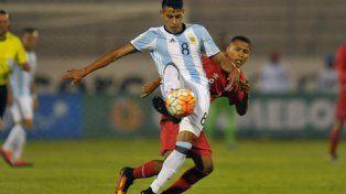 Apenas un punto. Los pibes argentinos fueron superados en la primera parte aunque mejoraron en el segundo tiempo.