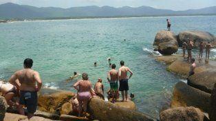 barra de lagoa. El fuerte viento modificó esas piscinas y es probable que por eso haya muerto ahogado.