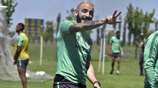 Javier Pinola, una pieza clave en el esquema del entrenador canalla Paolo Montero.