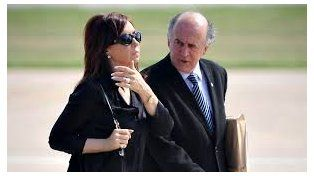 La expresidenta Cristina Fernández de Kirchner, complicada por una escucha con Oscar Parrilli.