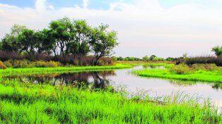 Belleza simple, agreste y natural. El área protegida es una de las más visitadas de la Argentina. En 2010 se le sumó el Campo Nacional Sarmiento.