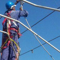 La EPE realiza trabajos en la red de media tensión.