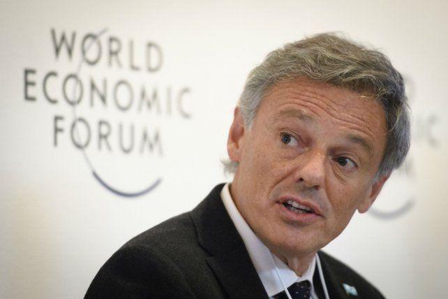 Argumentos. Antes de su regreso de Davos (Suiza)