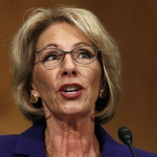 Betsy Davos en Educación.