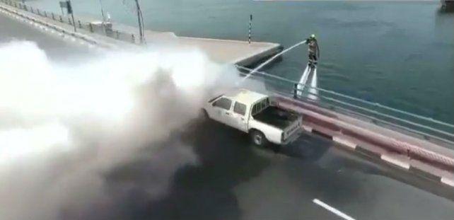 La divertida propuesta de la Defensa Civil de Dubái para hacer frente a los incendios