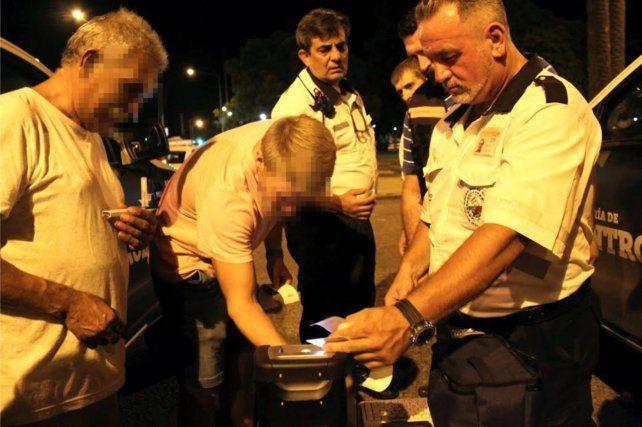 De los controles de detección del consumo de drogas en conductores de vehículos participan agentes de Tránsito y médicos del municipio