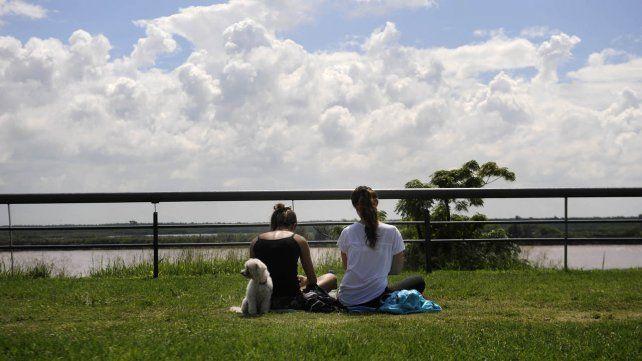 La mañana arrancó con sol pero existe la posibilidad de lluvias en Rosario.