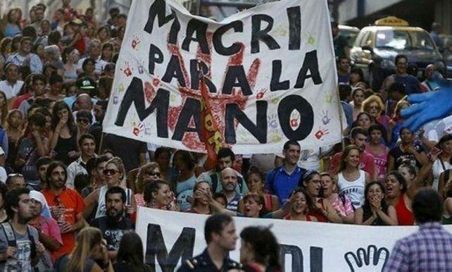 La delegación local de H.I.J.O.S. elevó su crítica a la decisión del presidente Mauricio Macri de cambiar el feriado del 24 de marzo.