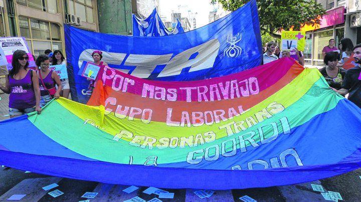 militancia.. Una de las tantas marchas en las que las organizaciones que nuclean a las minorías sexuales reclamaron el cupo laboral para trans.